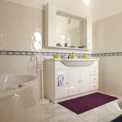 Отель Surf Yoga Ericeira Guest House ванная