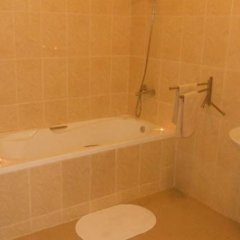 Отель Chez Delphy Bed and Breakfast ванная фото 2
