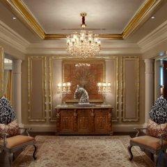 Отель The Leela Palace New Delhi Нью-Дели спа