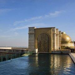 Отель The Leela Palace New Delhi Нью-Дели бассейн