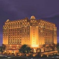 Отель The Leela Palace New Delhi Нью-Дели вид на фасад фото 2