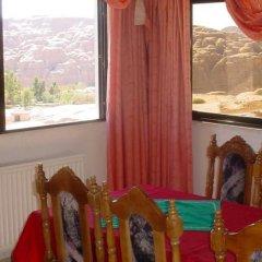 Отель Petra Venus Hotel Иордания, Вади-Муса - отзывы, цены и фото номеров - забронировать отель Petra Venus Hotel онлайн питание
