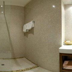 Four Rooms Отель ванная