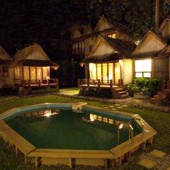 Отель Ban Sabai Bungalows бассейн