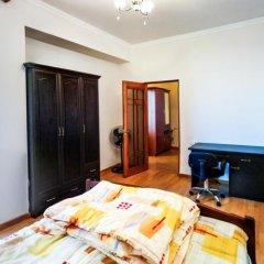 Апартаменты Downtown Yerevan Apartment комната для гостей фото 2