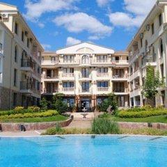 Апартаменты Apartment Ekaterina In Royal Bay Residence Свети Влас бассейн фото 2