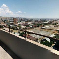Отель Yerevan Apartel балкон