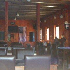 Отель Williams Village Bowling & Country Club гостиничный бар