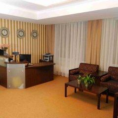 Отель Astrum Palace Литва, Мажейкяй - отзывы, цены и фото номеров - забронировать отель Astrum Palace онлайн интерьер отеля