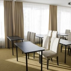 Отель Astrum Palace Литва, Мажейкяй - отзывы, цены и фото номеров - забронировать отель Astrum Palace онлайн помещение для мероприятий