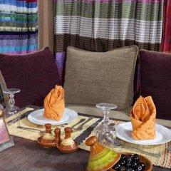 Отель Azoul Марокко, Уарзазат - отзывы, цены и фото номеров - забронировать отель Azoul онлайн питание фото 2