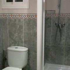 Отель Hostal Guillot Торремолинос ванная фото 2