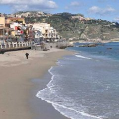 Отель Giardini-Naxos Via Umberto 25 Таормина пляж