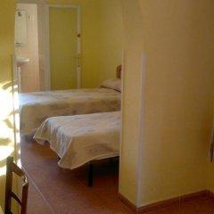 Отель Hostal Lleida комната для гостей фото 2