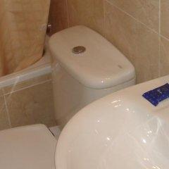 Отель Hostal Lleida ванная фото 2