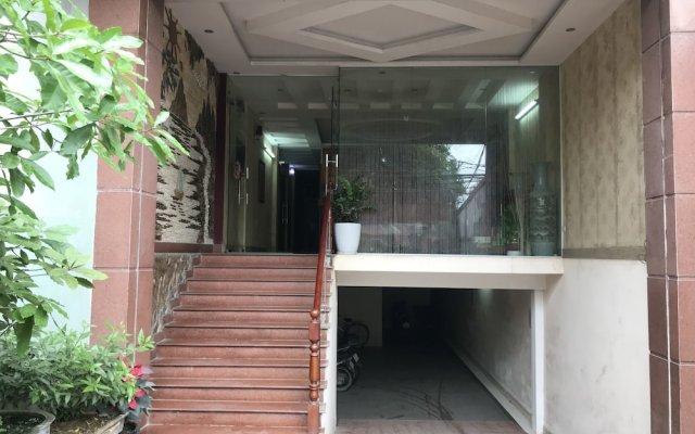 Hoang Long Hotel вид на фасад