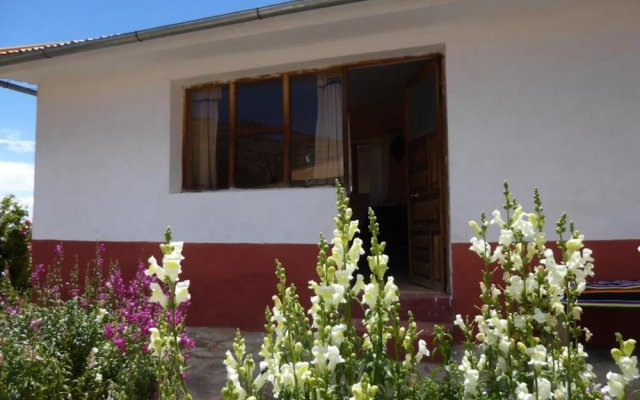 Отель Casa Inti Lodge вид на фасад
