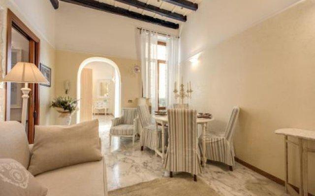 Отель Holiday-in Trevi комната для гостей