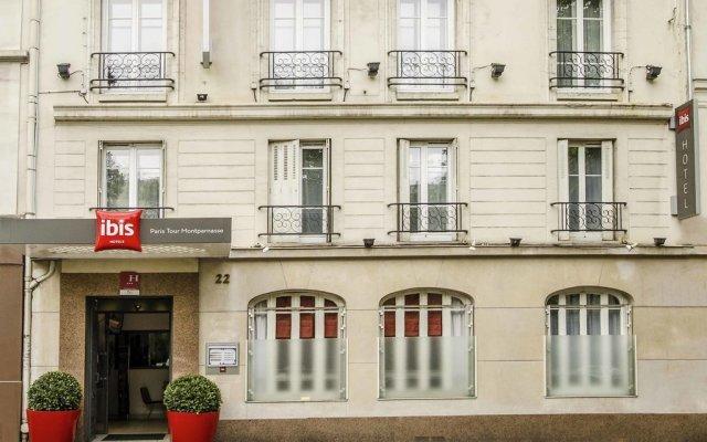 Отель Ibis Tour Montparnasse 15eme Париж вид на фасад