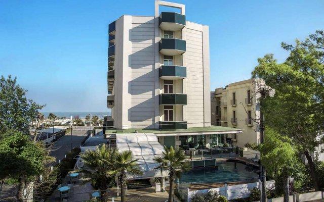 Best Western Maison B Hotel Римини вид на фасад