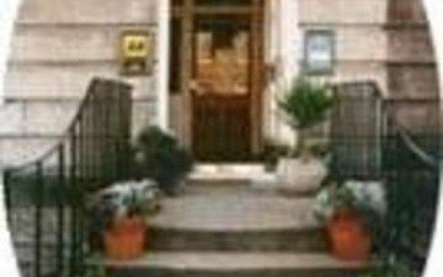 Отель Acorn Lodge Великобритания, Эдинбург - отзывы, цены и фото номеров - забронировать отель Acorn Lodge онлайн спортивное сооружение