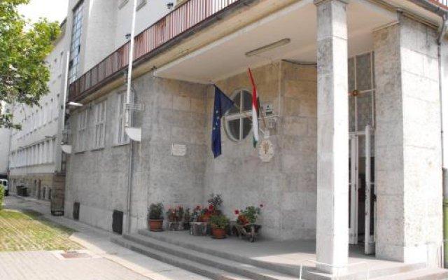Vécsey Hostel вид на фасад