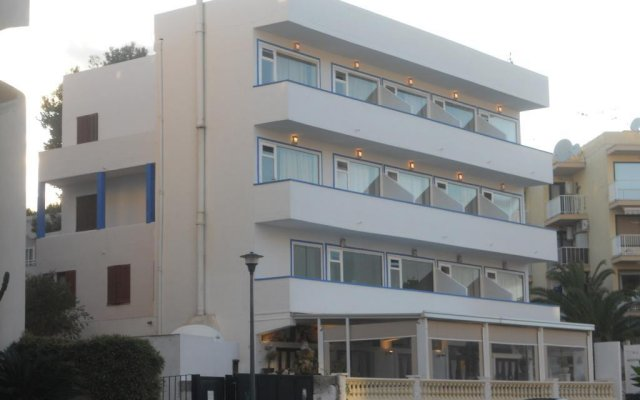 Апартаменты Mini Golf Apartments вид на фасад