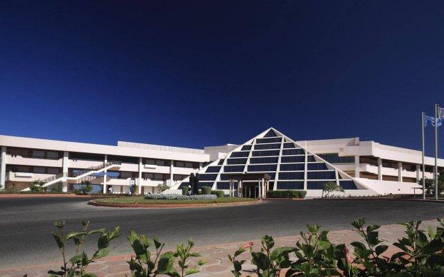 Отель Pharaoh Azur Resort вид на фасад