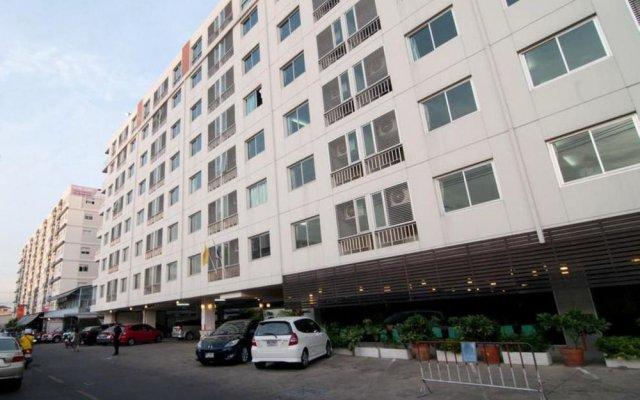 Отель Centric Place Бангкок вид на фасад