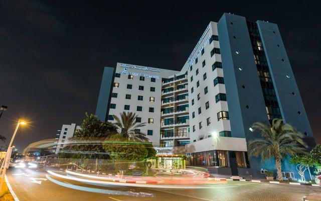 Отель Arabian Park Hotel ОАЭ, Дубай - 1 отзыв об отеле, цены и фото номеров - забронировать отель Arabian Park Hotel онлайн вид на фасад