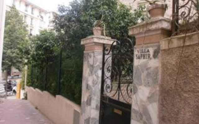 Отель Villa Saphir Ницца вид на фасад