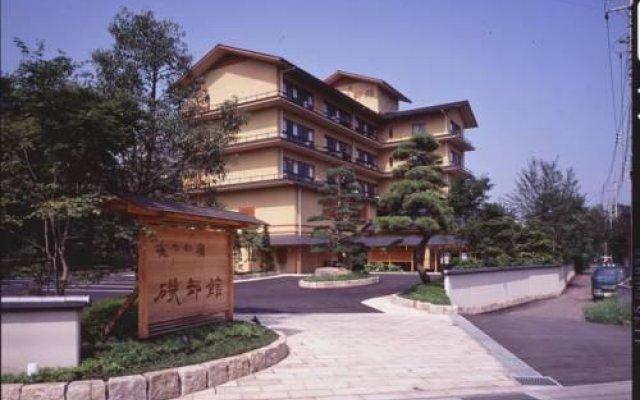 Отель Suzume No Oyado Isobekan Томиока вид на фасад
