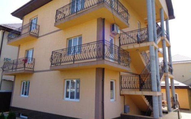 Гостиница Guest house Vitol в Анапе отзывы, цены и фото номеров - забронировать гостиницу Guest house Vitol онлайн Анапа вид на фасад