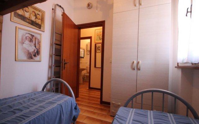 Отель Agenzia Vear Monte 4 комната для гостей