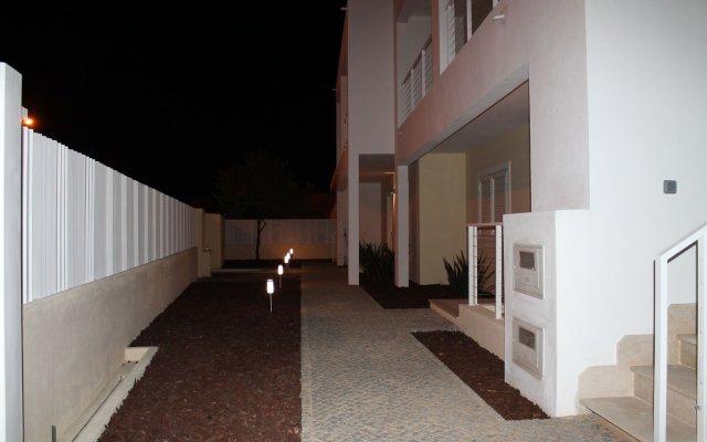 Отель SunHostel Португалия, Портимао - отзывы, цены и фото номеров - забронировать отель SunHostel онлайн вид на фасад