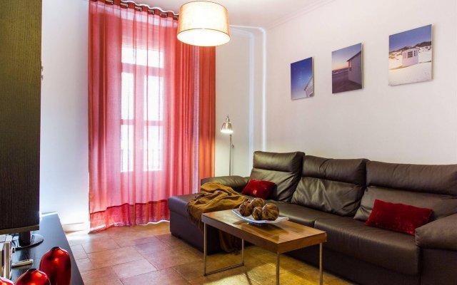 Отель Apartamentos Living Valencia Валенсия комната для гостей