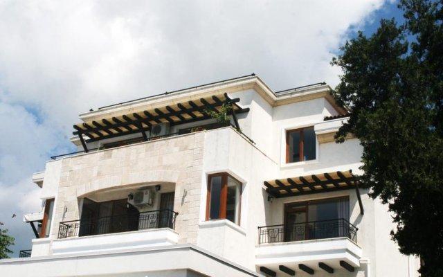 Отель Iris Болгария, Балчик - отзывы, цены и фото номеров - забронировать отель Iris онлайн вид на фасад