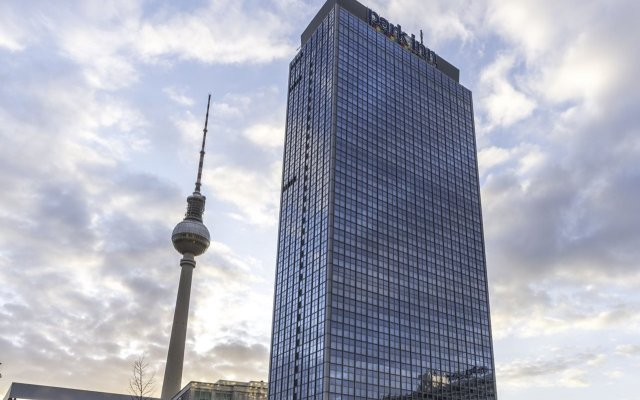 Отель Park Inn by Radisson Berlin Alexanderplatz спортивное сооружение
