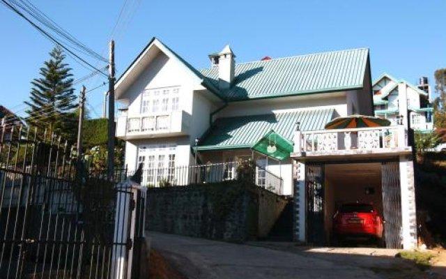 Отель The Rosevilla Bungalow вид на фасад