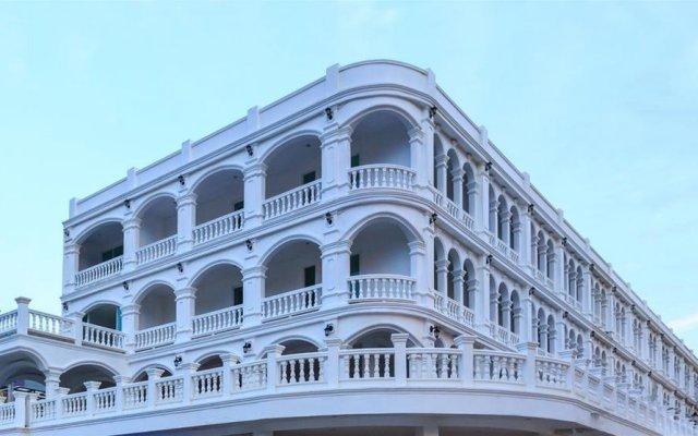Patong Marina Hotel вид на фасад