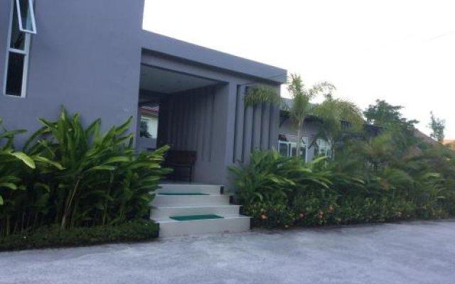 Отель Naka Condon Phuket By Kitty Пхукет вид на фасад