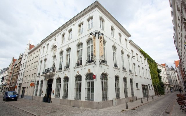 Hotel 't Sandt Antwerpen Антверпен вид на фасад