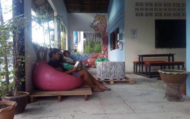 Отель Gecko Republic Jungle Hostel Таиланд, Остров Тау - отзывы, цены и фото номеров - забронировать отель Gecko Republic Jungle Hostel онлайн вид на фасад