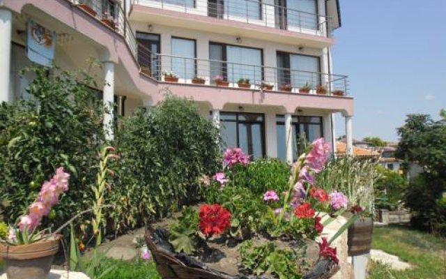 Отель Guest Rooms Jordanovi вид на фасад