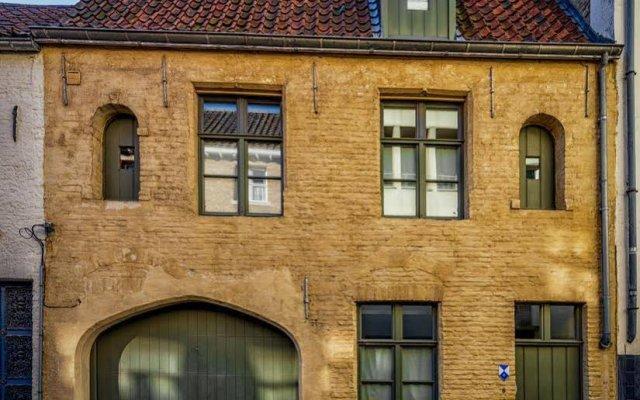 Отель Holiday Home Bridge House Бельгия, Брюгге - отзывы, цены и фото номеров - забронировать отель Holiday Home Bridge House онлайн вид на фасад