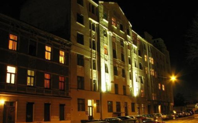 Отель Jakob Lenz Guesthouse вид на фасад