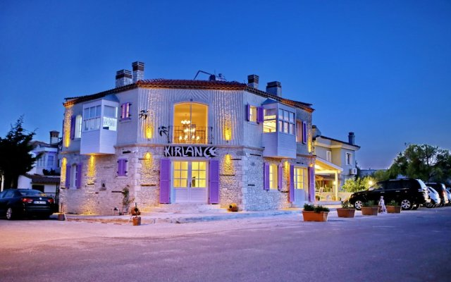 Kirlance Hotel Чешме вид на фасад