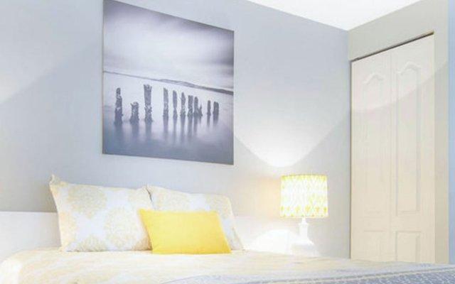 Отель King Suites Downtown Vancouver Канада, Ванкувер - отзывы, цены и фото номеров - забронировать отель King Suites Downtown Vancouver онлайн комната для гостей