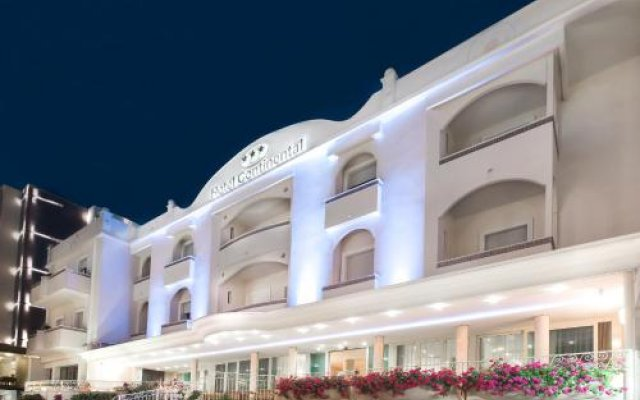 Hotel Continental Гаттео-а-Маре вид на фасад