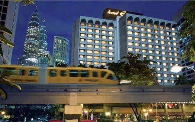 Отель Equatorial Kuala Lumpur Малайзия, Куала-Лумпур - отзывы, цены и фото номеров - забронировать отель Equatorial Kuala Lumpur онлайн вид на фасад